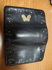 ANNA SUI アナスイ 二つ折り 財布 黒 蝶×花柄刻印 がま口