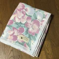 パステルカラー 大きな花柄の綿毛布