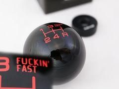 VMSシフトノブ5MTトヨタ/ダイハツ/スバル/スズキ用ブラック(レッド)FUCKIN'FAST