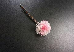 ハンドメイド*タティングレースの髪飾り【T】白×ピンク ヘアピンtypeA