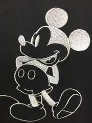新品Disney!ミッキーシルバー刺繍 Tシャツ M