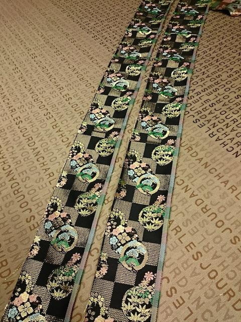 「1スタ」(No.010915)約9�p幅×1.55m×2枚・金襴端切れ < ペット/手芸/園芸の