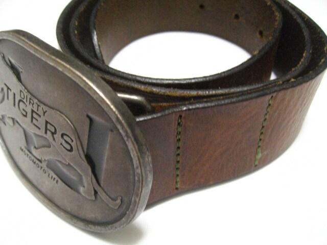 アルマーニ.ジーンズ銀細工風タイガー虎バックル&極上茶革ベルト90〜100センチ < 男性ファッションの