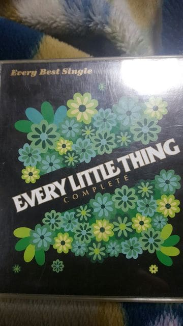 EVERY LITTLE THING 4枚組ベスト  < タレントグッズの
