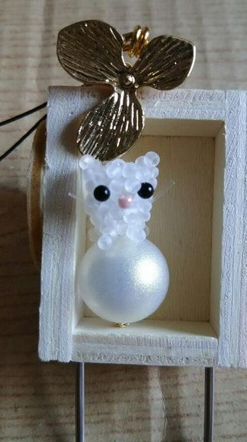 しろねこメタルフラワーストラップ オリジナル ハンドメイド 猫 ネコ キャット < ペット/手芸/園芸の