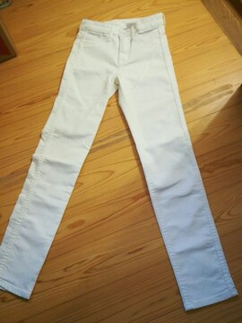 買ったばかり★H&M白ストレッチスキニーpants