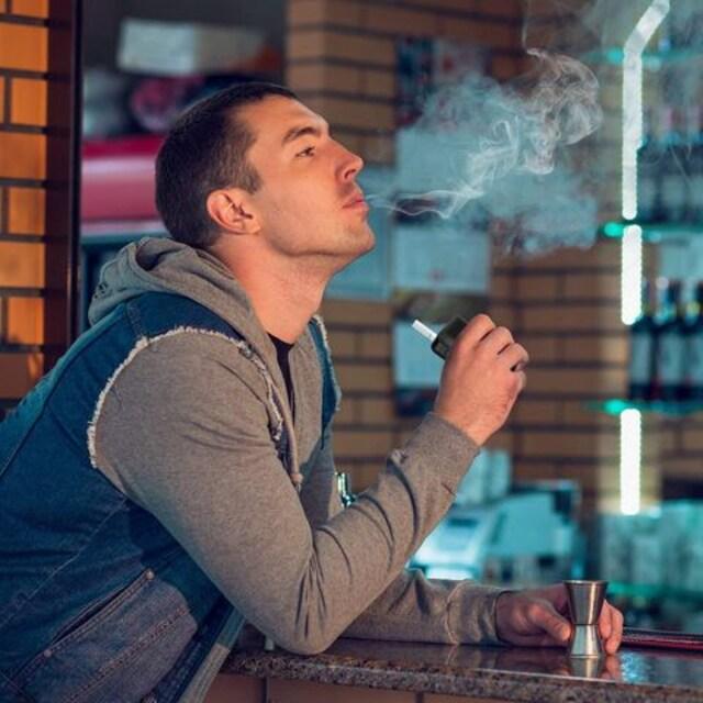 iQOS アイコス 互換品 電子タバコ 25本連続 < 男性ファッションの