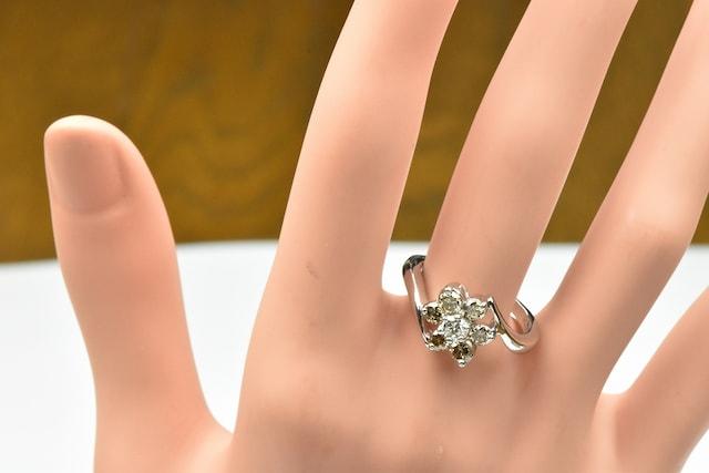 K18WG 合計 1.00ct ダイヤモンドリング 15号 指輪 < 女性アクセサリー/時計の